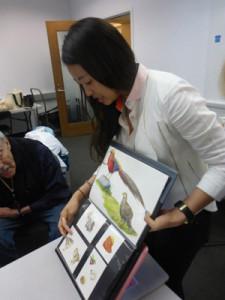 photo of gnsi-ne member insil choi sharing her portfolio